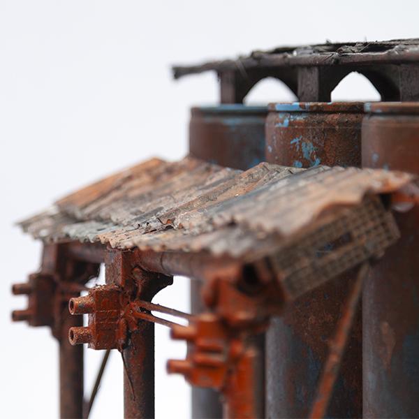 Sigurd Roscher 2020 - Modellbau - 2. Terrain für Necromunda - Sprühdosen Tanks